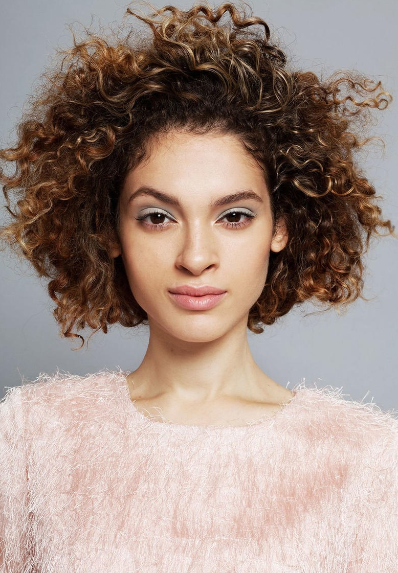 12 beautiful midlength curly hairstyles you should